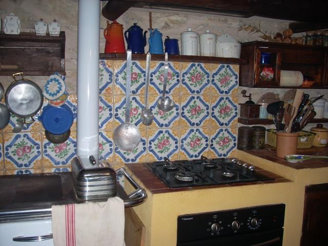 Allestimenti rossi giampiero for Maioliche da cucina