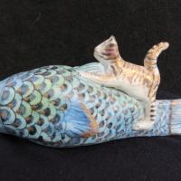 Pesce e gatto in ceramica