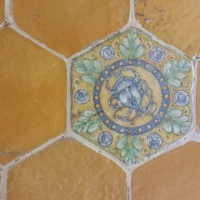 Particolare di pavimento in ceramica