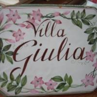 Targa in ceramica dipinta a mano