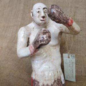 Pugile in ceramica