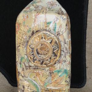 Bottiglia in ceramica realizzata a mano