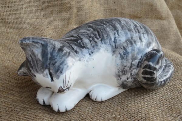 Gattino dolce in ceramica realizzato a mano